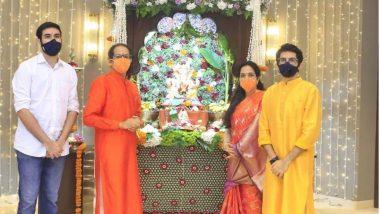 Ganesh Chaturthi 2020: मुख्यमंंत्री उद्धव ठाकरे यांनी कुटुंंबासह वर्षा बंगल्यावर केली गणरायाची पुजा (View Photos)