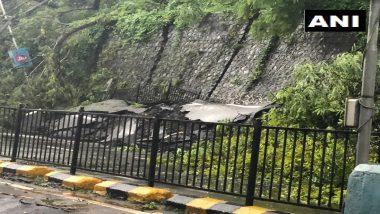 Heavy Rainfall in Mumbai: मुंबईतील एन. एस. पाटकर मार्ग येथील रस्त्याच्या कडेला असलेली भिंत कोसळल्याने वाहतूक ठप्प