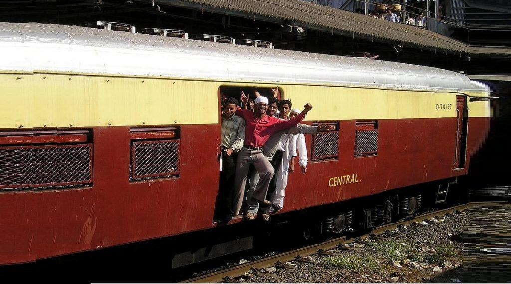 मुंबई: 'सोलर पॉवर' वापरुन पश्चिम रेल्वेने केली 3 कोटी रुपायांची बचत