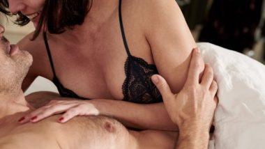 Sex Tips For Couples In Joint Family: एकत्र कुटुंंबात राहताना सेक्स करायची भीती वाटत असेल तर 'या' टिप्स एकदा नक्की वाचा