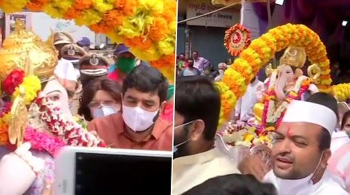 Ganesh Visarjan 2020: पुण्याचे महापौर मुरलीधर मोहोळ यांची शहरातील गणेश विसर्जन सोहळ्याला हजेरी; पहा फोटो