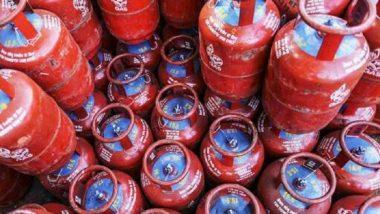 LPG Gas Cylinder: महिन्याच्या सुरूवातीला सर्वसामान्यांना पहिला धक्का, एलपीजी गॅस सिलिंडरच्या दरात पुन्हा वाढ