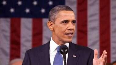 Barack Obama यांच्या हायस्कूल जर्सीने बनवला जागतिक विक्रम; तब्बल 1 कोटी 40 लाखात झाला लिलाव