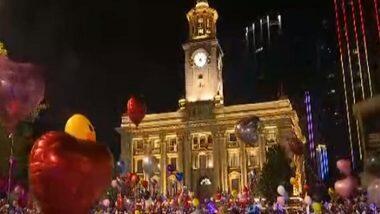New Year 2021 Celebration in Wuhan: अनेक देशांमध्ये कोरोनाचे निर्बंध असताना, वूहान शहरात नवीन वर्षाच्या स्वागतासाठी हजारोंच्या संख्येने लोक एकत्र (Watch Video)