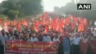 Farmer Laws: कृषी कायद्याच्या विरोधात ऑल इंडिया किसान सभेच्या नेतृत्वात आंदोलक शेतकऱ्यांची नाशिक येथून मुंबईकडे कूच (Watch Video)