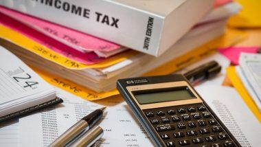 Tax Compliance Timelines Extended: वाढत्या COVID च्या रुग्णसंख्येमुळे टॅक्स भरण्याचा कालावधीत वाढ, येथे जाणून घ्या अधिक