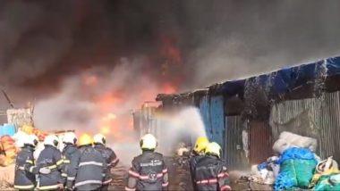 Mumbai Mankhurd Fire: सात तास उलटले तरी मानखुर्द येथील आग अद्यापही धगधगती, आग आटोक्यात आणण्यासाठी अग्निशमन दलाचे शर्थीचे प्रयत्न