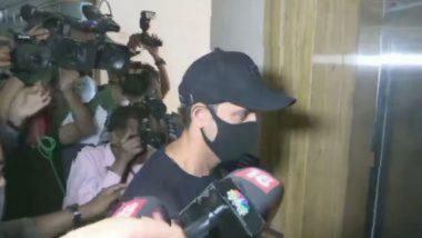 बनावट ई-मेल प्रकरणी Hrithik Roshan आपलं निवेदन देण्यासाठी मुंबई पोलिस आयुक्तालयात दाखल; Kangana Ranaut संदर्भातील केसची होणार चौकशी