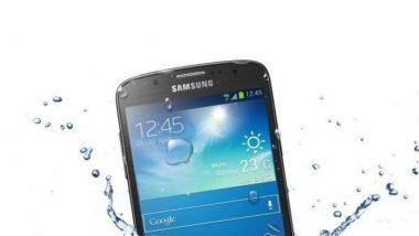 Holi 2021 Special Tips: होळी खेळताना स्मार्टफोनमध्ये चुकून पाणी गेल्यास 'या' सोप्या टिप्स ठरतील उपयोगी