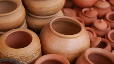 Benefits Of Clay Pot Water: गरमीच्या दिवसात प्या मातीच्या मडक्यातील पाणी; 'या' आजारांना ठेवालकायमचे दूर