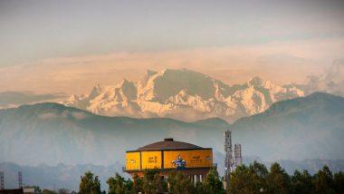 Himalayas Viral Photos: उत्तर प्रदेशच्या सहारनपूर मधून सलग दुसर्या वर्षी हिमालयाचं दर्शन; इथे पहा वायरल फोटोज