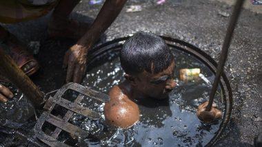 मुंब्रा: कोरोनामुळे नोकरी गमावणाऱ्या IT इंजिनियर आणि डबल ग्रॅज्युएट तरुण करतायात नाल्यांची सफाई