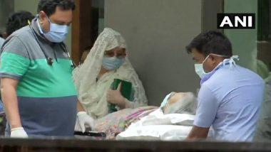 Dilip Kumar यांना रुग्णालयातून डिस्चार्ज; पत्नी Saira Bano ने मानले चाहत्यांचे आभार (See Pics)