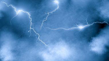 Lightning Facts and Risks: गडगडाटी पावसात आकाशात वीज निर्मिती कशी होते? संभाव्य धोका टाळण्यासाठी आपण काय करावे?