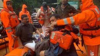 Chiplun Update: चिपळूण येथे पुर आलेल्या ठिकाणी NDRF च्या पथकाकडून बचाव आणि मदतकार्य सुरु