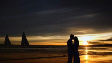 International Kissing Day 2021 Quotes: इंटरनॅशनल किसिंग डे च्या निमित्ताने Wishes, Greetings, WhatsApp Messages शेअर करत साजरा करा आजचा दिवस