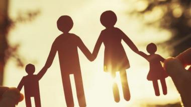 Parents Day 2021 Quotes: राष्ट्रीय पालक दिनानिमित्त 'हे' विचार आपल्याला आयुष्य जगण्यास देतील प्रेरणा