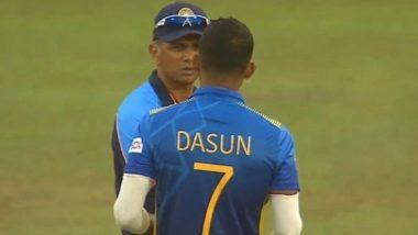 IND vs SL 3rd ODI: श्रीलंकन कर्णधार दासुन शनाकाला टिप्स देताना दिसले राहुल द्रविड, यूजर्सने शेअर केले फोटो