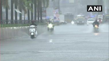 Waterlogging In Mumbai: मुंबई मध्ये मुसळधार पाऊस, सखल भागात साचलं पाणी; पहा फोटो, व्हिडीओ