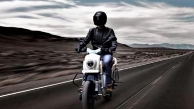 सिंगल चार्जमध्ये 160 किलोमीटरची जबरदस्त रेंज देणार Rugged इलेक्ट्रिक स्कूटर, जाणून घ्या किंमत