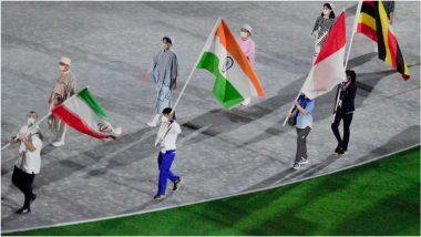 Tokyo Olympics 2020 Closing Ceremony: सर्वोत्कृष्ट ऑलिम्पिकच्या समापन सोहळ्यात भारतीय दलाची उत्सुकता शिगेला, बजरंग पुनियाने उंचावला भारताचा तिरंगा (See Photos)