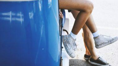 Car Sex Video: गाडीमध्ये सुरु असलेल्या महिलेचे चाळे कॅमेरात कैद , व्हिडिओ झाला व्हायरल