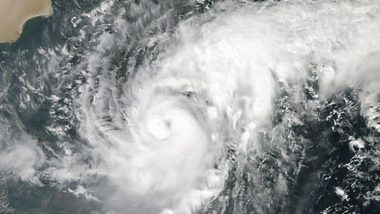 Cyclone Gulab: गुलाब चक्रीवादळ बंगालच्या उपसागरात; राज्याला 3-4 दिवस मुसळधार पावसाचा इशारा