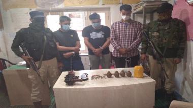 Jammu-Kashmir News: कुलगाममध्ये शस्त्रसाठा ठेवल्या प्रकरणी तीन जणांना अटक, ग्रेनेड आणि AK47 सह अनेक शस्त्रे जप्त